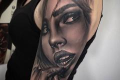Tattoo realismo Chica