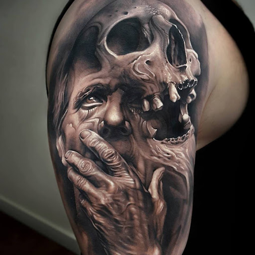 Tatuajes realistas Arlo Tattoo