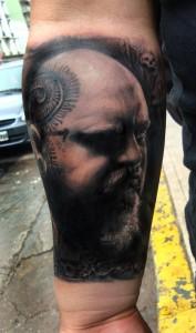 Tatuajes realistas Paul Booth por Henry Anglas