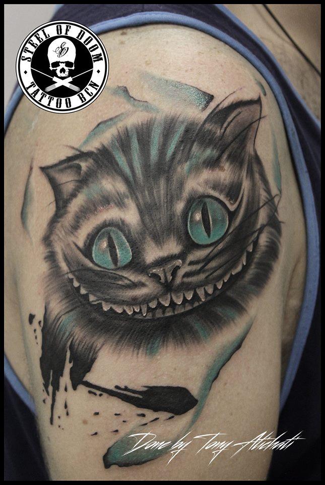 tatuaje-cheshire-gato-alicia-realista