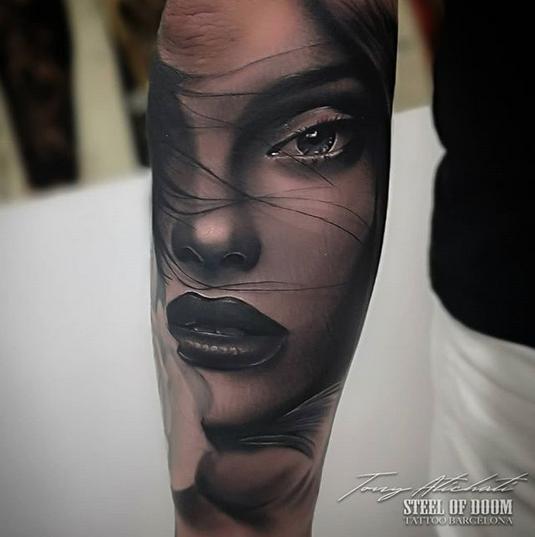Tatuajes en Barcelona por Tony Atichati Realismo