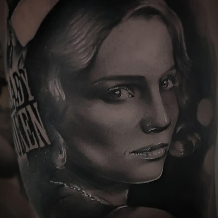 Tatuajes realistas television peaky blinders