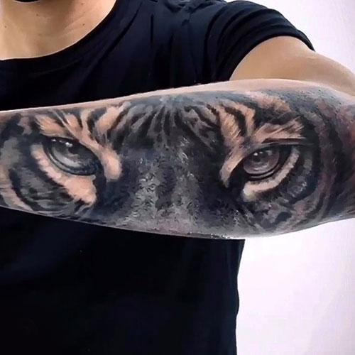 volkan-tattoo-steel-of-doom-tatuadores-barcelona-01